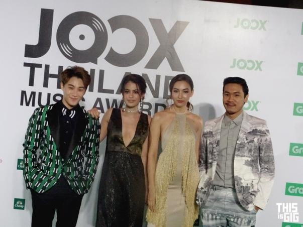 ทีมพิธีกร JOX