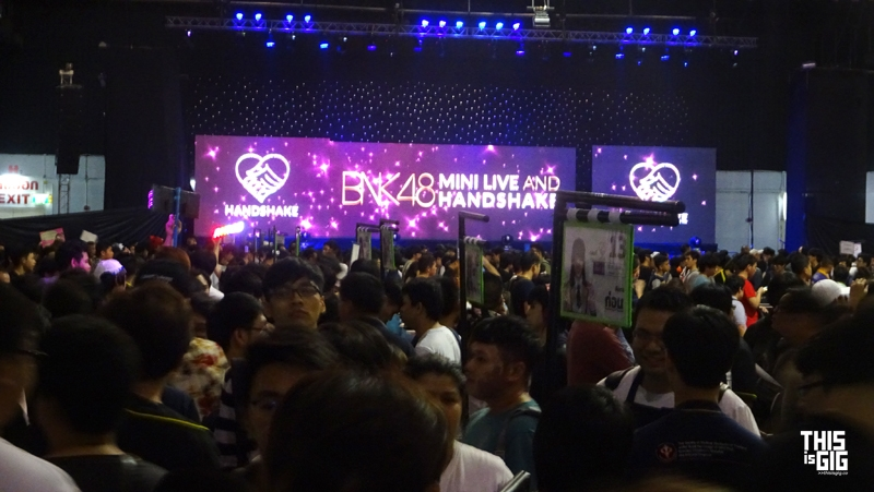 BNK48 Mini Live and Handshake