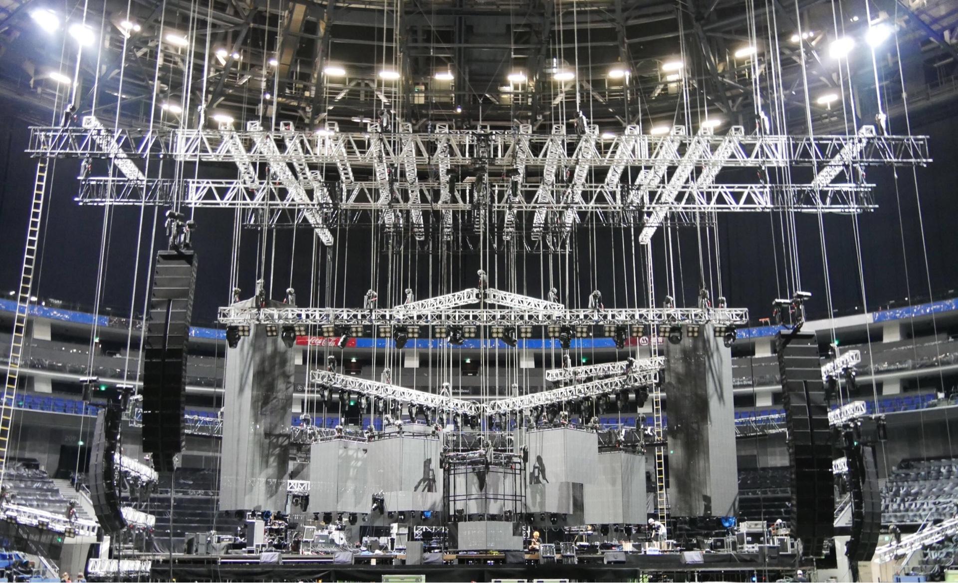 1. Rooftop คอนเสิร์ตที่ใหญ่ที่สุดแห่งแรกในเมืองไทย